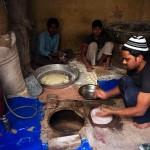 Delhi, okolice Nizamuddin Dargah, piec tandori