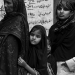 Delhi, Nizamuddin Dargah, kolejka po jedzenie