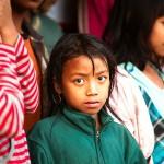 Supha, dziewczynka z fajnym kolczykiem