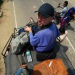Na dachu rikszy w drodze do Barsany