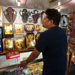 Amritsar, Anshuman w sklepie z pamiątkami
